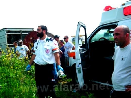 كفركنا: إصابة عامل بجروح بالغة الخطورة بعد انزلاق عربة ثقيلة الوزن عليه