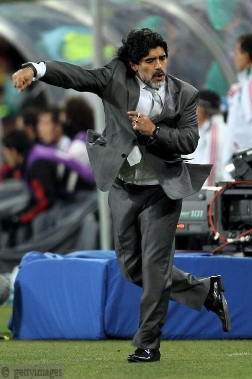 المنتخب الأرجنتيني ومديره دييجو مارادونا  يرغبان بالثأر من ألمانيا بدور الثمانية