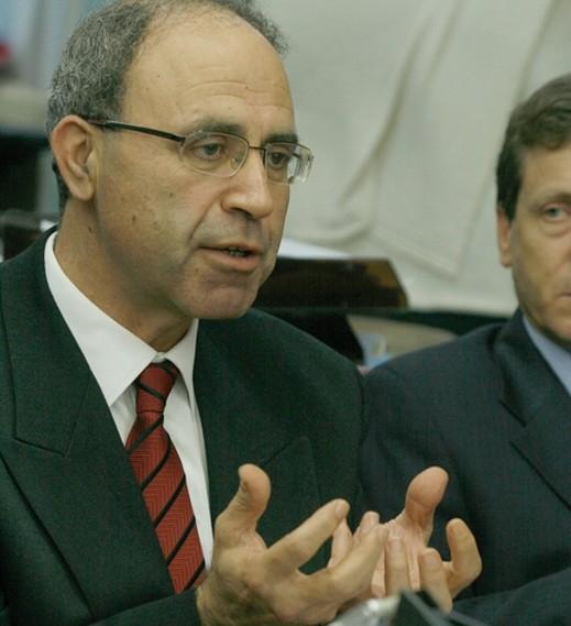 النائب حنا سويد يحذر من مراوغة الحكومة في فك الدمج بين باقة وجت