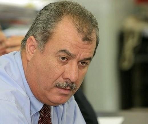 النائب محمد بركة يحيي سفير ليبيا في الأردن محمد البرغثي لانضمامه للثورة