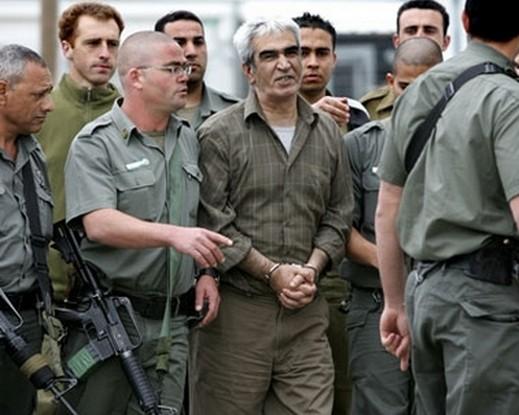 نقل الاسير أحمد سعدات للمستشفى بعد تدهور حالته بسبب اضرابه عن الطعام
