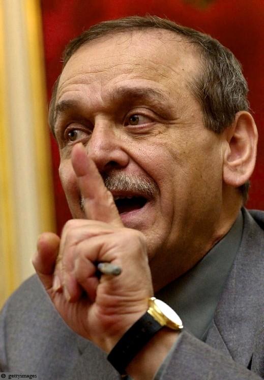 عبد ربه: خلافي مع الرئيس عباس اشاعة واحذر من المس بالمنظمة وسلخ غزة
