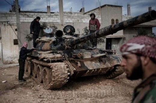 سوريا: أمريكا تشبه نظام الأسد بعائلة المافيا وسقوط 77 قتيلا معظمهم في حمص وإدلب