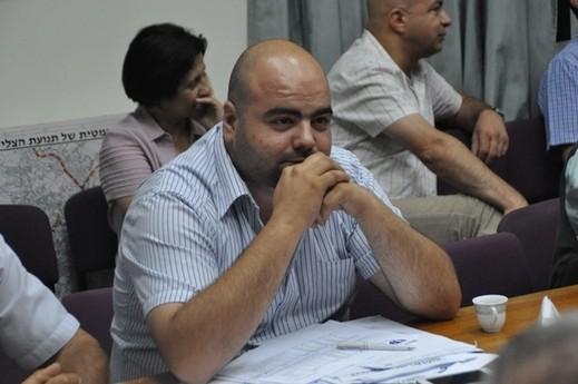 إبعاد مواطن عن الناصرة لمدة اسبوع بشبهة التعرض كلاميًا لنائب رئيس البلدية عوني بنا
