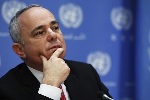 شطاينتس: عباس زعيم اللاسامية ويعلم الأطفال على كره اسرائيل