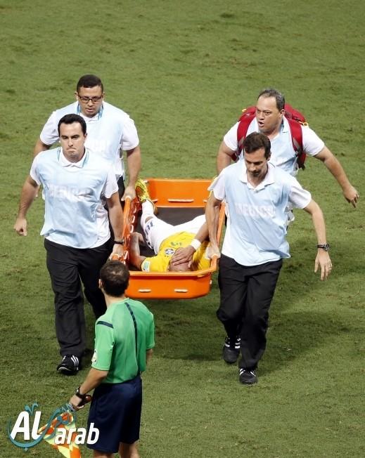 ضربة قاضية للبرازيل: غياب نيمار رسميا عن المونديال بعد إصابته بكسر في عموده الفقري