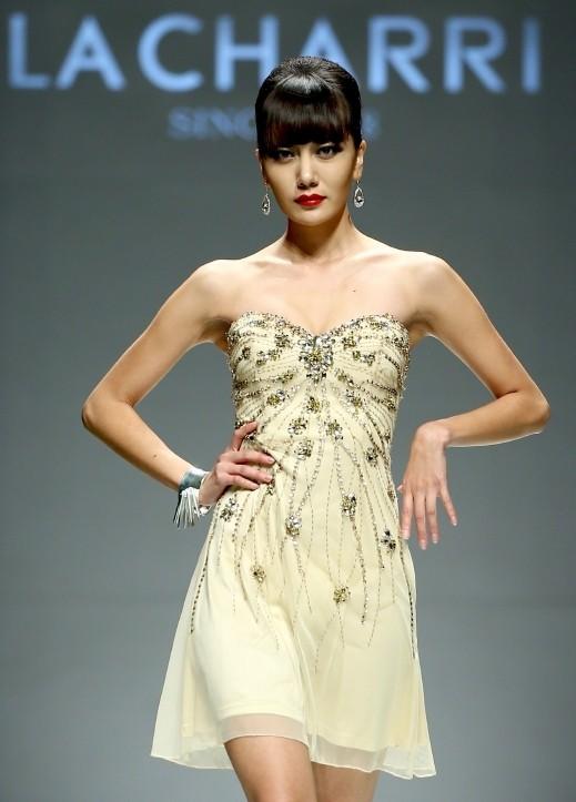 4c295a6e2 موقع العرب يقدم للصبايا الجميلات باقة من أجمل الفساتين القصيرة، ذات الألوان  المميزة.. اختاري منها ما يناسبك.