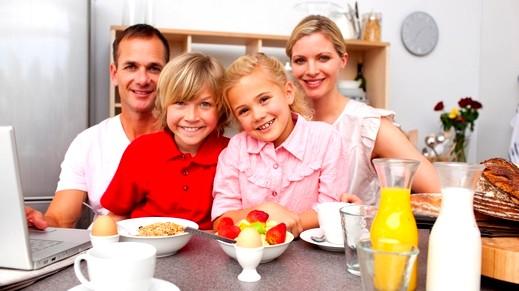 إليكم سر نجاح العلاقات الأسريّة