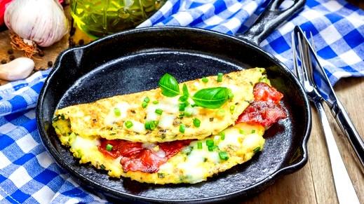 حضّري فطور لبناني ولا أشهى: عجة باللحم