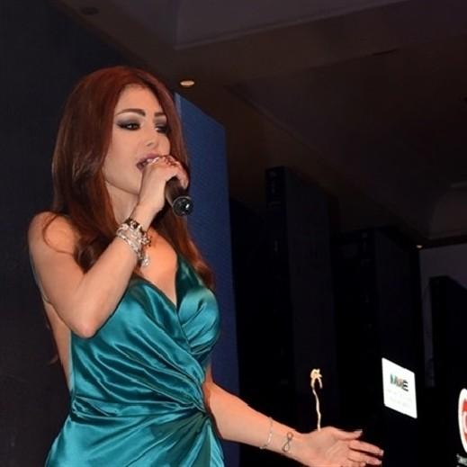 7aac0c1bc هذا، وقد تألقت هيفاء بفستان أخضر مثير مدح قوامها، وقدّمت باقة من أجمل  أغنياتها وسط حضور كثيف من مختلف العواصم العربية والعالمية.