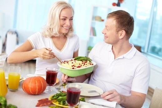 تعرفوا على 6 أطعمة هامة لتعزيز الصحة الجنسية لدى الزوجين