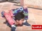 بالفيديو: الطفل العنكبوت