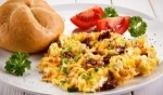 افتتحوا يومكم بأطيب فطور.. البيض بالخضار