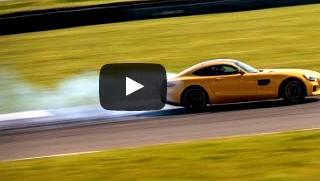 مرسيدس AMG GT S في صراع دام مع بورشه 911