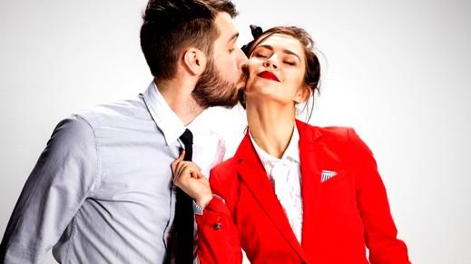 هكذا تحاولين إقناع زوجك بتقبل علاقاتك الاجتماعية