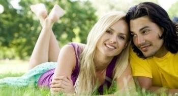 10 خطوات تؤدّي إلى السعادة الزوجية