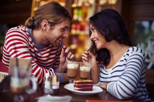 اخبار الامارات العاجلة alar_5120 دراسة بريطانية: الخروج ليلاً مرة شهريًا مع زوجك مفيد لعلاقة سعيدة العلاقة الزوجية
