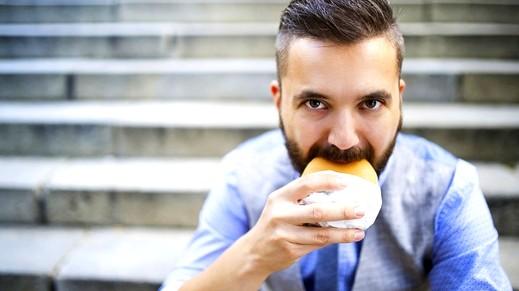 للرجل: أكلات تجعلك أكثر جاذبية