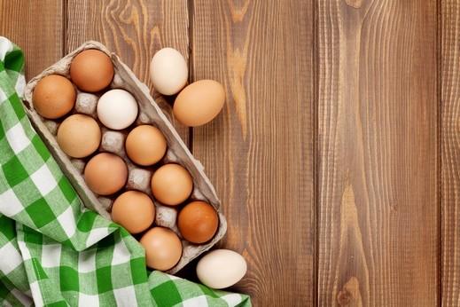 هل هناك فوارق غذائية بين البيض البني والبيض الأبيض؟
