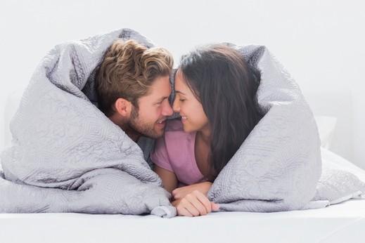 اخبار الامارات العاجلة ThinkstockPhotos-175225554 عزيزتي حواء: دللي زوجك بهذه الأمور ليزيد حبه وتعلقك به العلاقة الزوجية  الزوج والزوجة