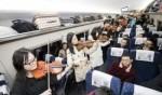 بالصور: عرض موسيقي داخل قطار!