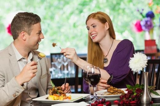 دراسة: النساء يفضلن الاكل والوجبات اللذيذة