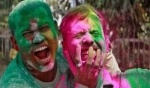صور جديدة: الألوان تزيّن الهند