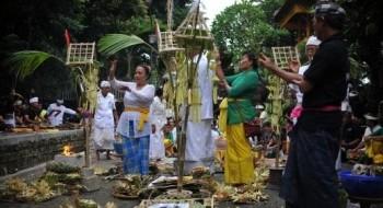 احتفالات هندوسية في جاكرتا..صور