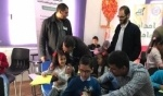 اللاجئون السوريون في تفاعل ايجابي مع وفد الاغاثة