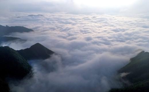 هل شاهدتم مرة بحرًا من الغيوم؟