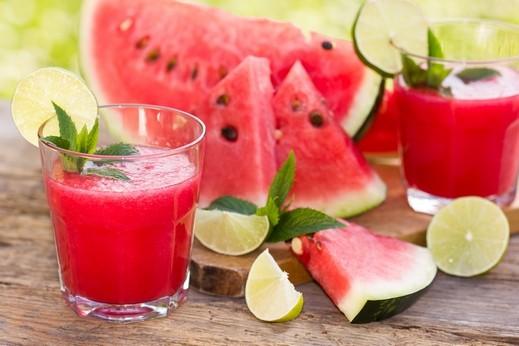 شراب البطيخ المنعش لأيام الصيف