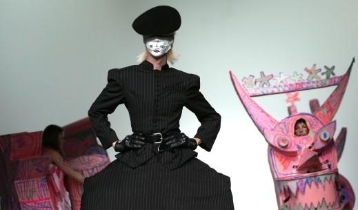 لندن: جنون الموضة في أحدث العروض