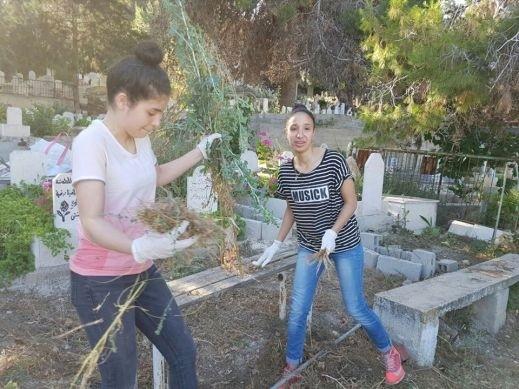 بيت الحكمة الناصرة: تنظيف المقبرة الفوقى
