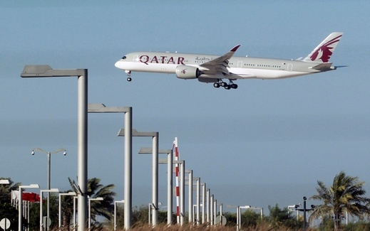 السعودية تبحث إغلاق الأجواء أمام قطر