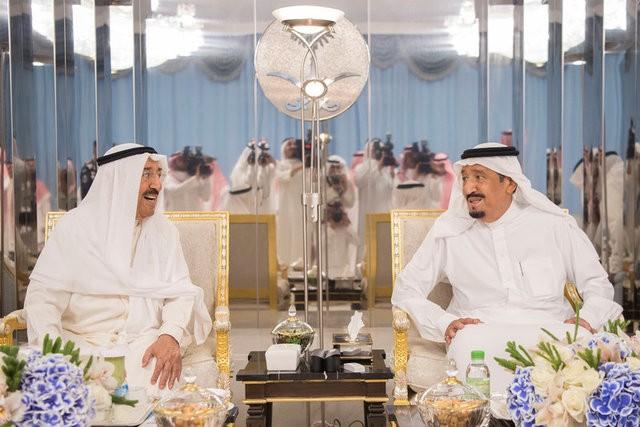 أمير الكويت: أتطلع لحل الأزمة الخليجية خلال رمضان