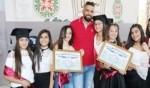 مجد الكروم:السلام الابتدائية تخرج فوجاً