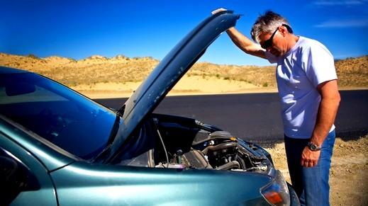 متى تغيّر زيت محرك سيارتك؟