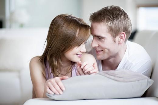تصرفات تقوي علاقتك بزوجك