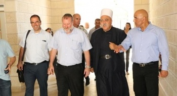 المستشار القضائي للحكومة يلتقي الشيخ موفق طريف