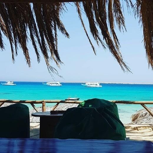 صور إليسا على شواطئ الغردقة حديث مواقع التواصل!