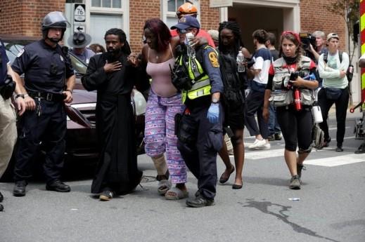 سيارة تدهس حشداً أثناء تجمع في  فرجينيا الأميركية