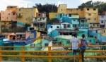 فنان يلوّن بريشته حيّا فقيرًا في كولومبيا