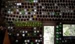 صور: منازل من الزجاجات والقناني المستعملة