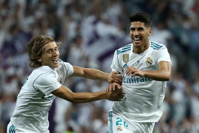 أسينسيو: سعيد بانتقالي إلى ريال مدريد وليس برشلونة
