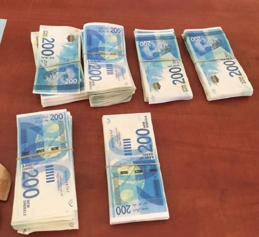 اعتقال مشتبه من تل أبيب بالنصب بأوراق نقدية مزيّفة