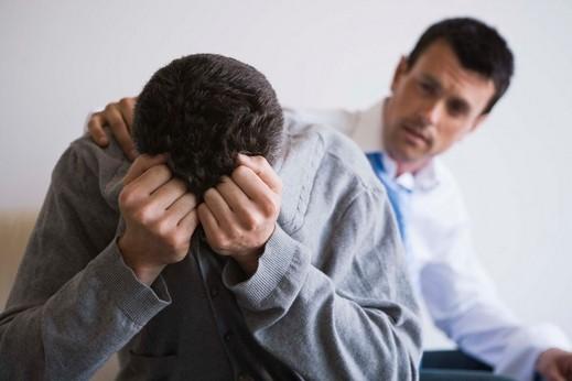 رجل: قلبي يعتصر ألما على زوجتي المريضة