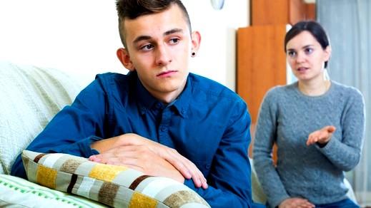 تأثير غياب الأب على ابنه المراهق
