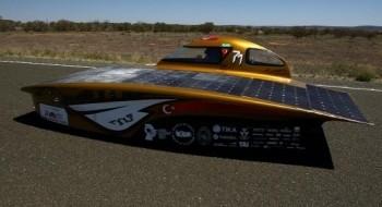 سباق سيارات الطاقة الشمسية باستراليا