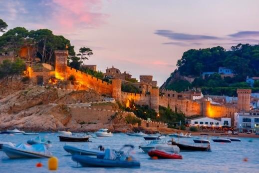 كوستا برافا.. أجمل الشواطئ الإسبانية