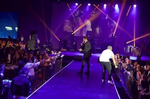 تامر حسني يحيي حفلًا ناجحًا في لاس فيغاس